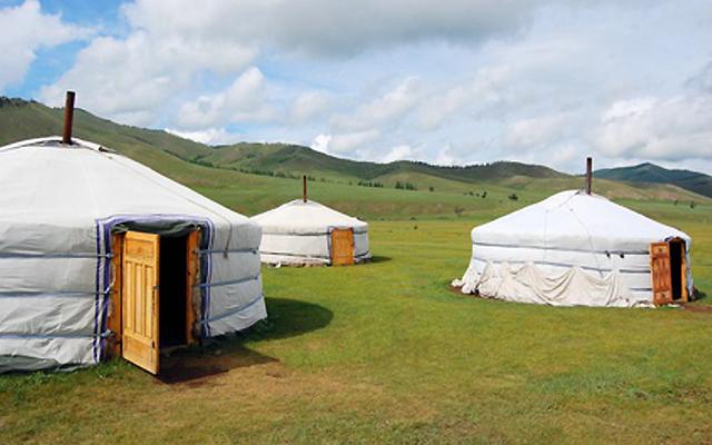 モンゴルの大自然の中