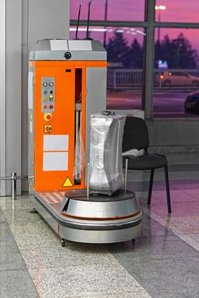 スーツケースラッピングの機械