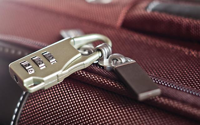 ソフトスーツケースに使うタイプのTSAロック